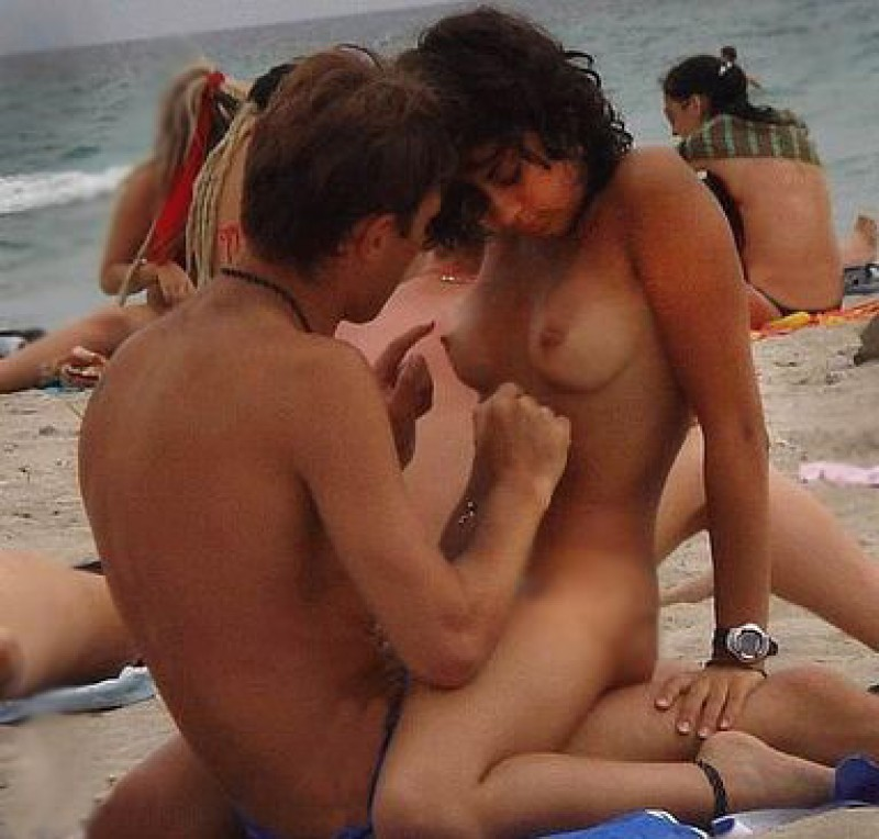 Sex on nude beaches